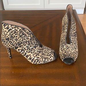Vince Camuto leopard heels